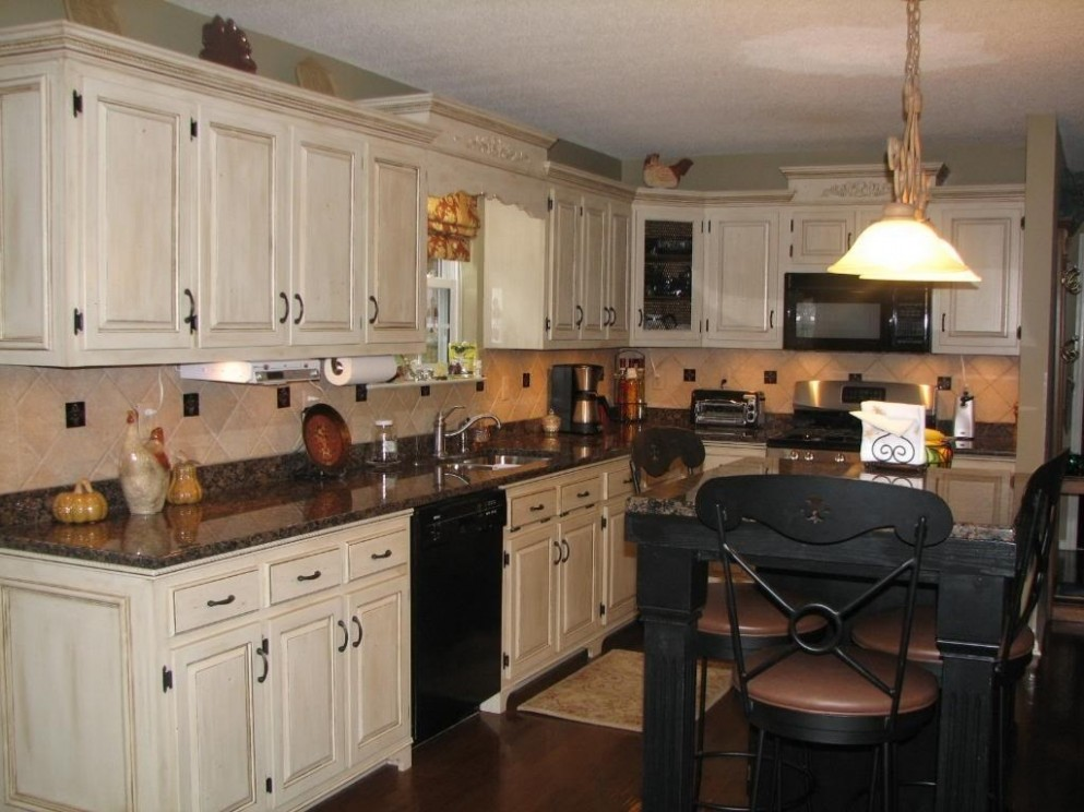 Kitchens With Black Granite Countertops And White Cabinets : Homes  - Kitchens With White Cabinets And Dark Granite Countertops
