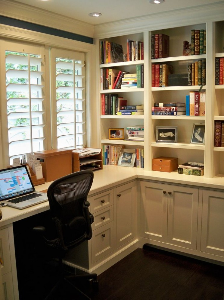 Makeover desk: desk facing window means no glare on screen, lots  - Small Home Office Ideas No Windows