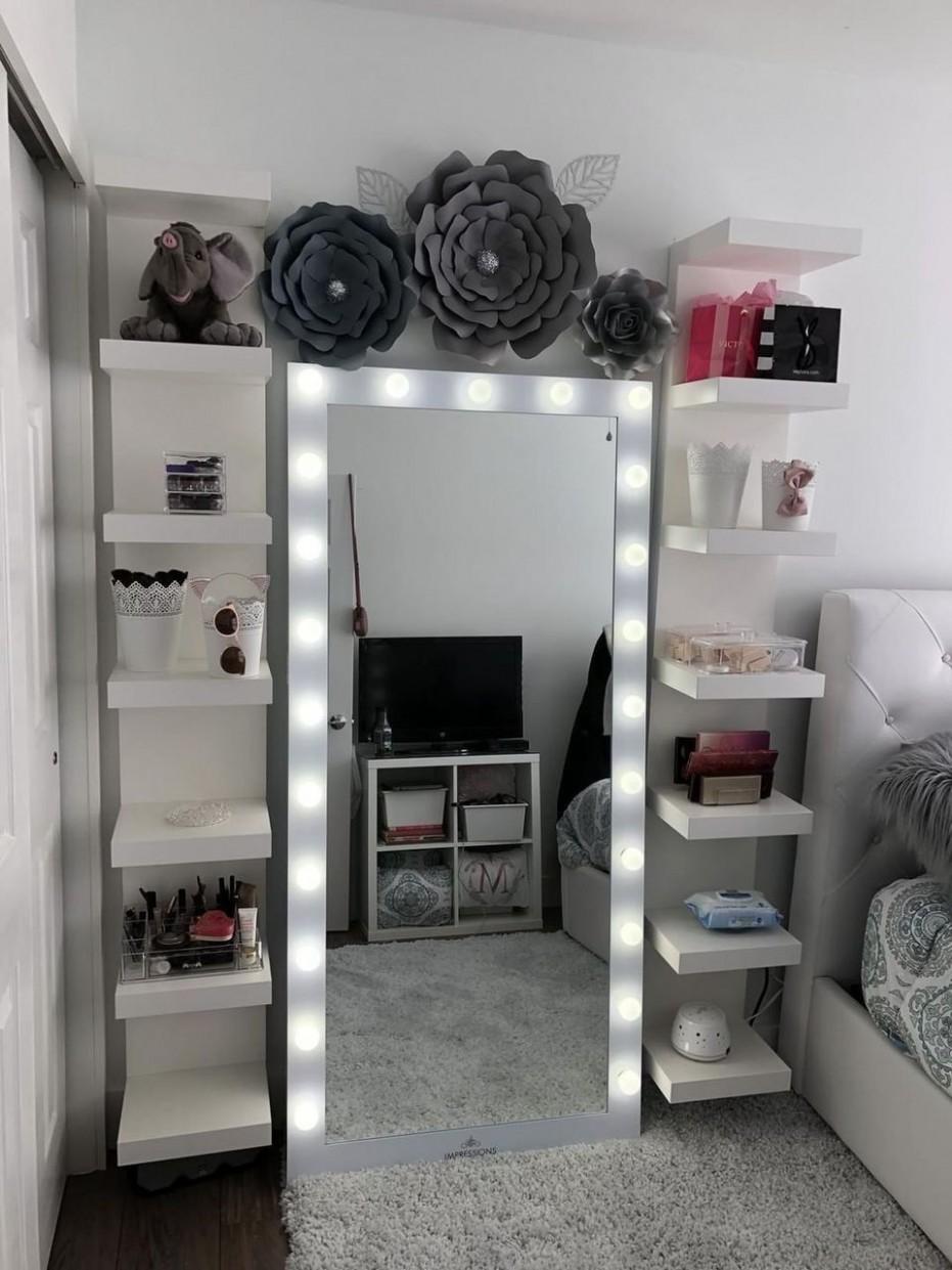 Makeup Room Ideas - We love the Elegant Makeup Room Ideas by some  - Makeup Room In Bedroom