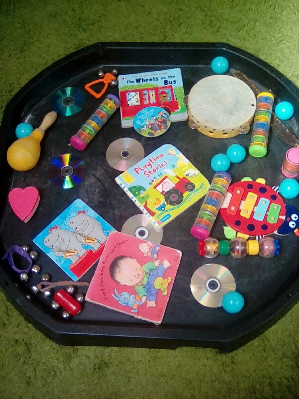 Musical tray  Tuff tray ideas toddlers, Nursery activities, Baby  - Baby Room Activity Ideas