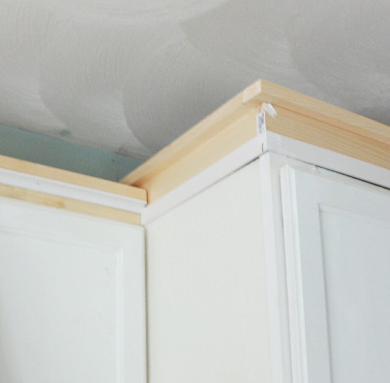 My DIY Kitchen: Cabinet Crown Molding, How to Fake the Look  - How To Install 2 Piece Crown Molding On Kitchen Cabinets