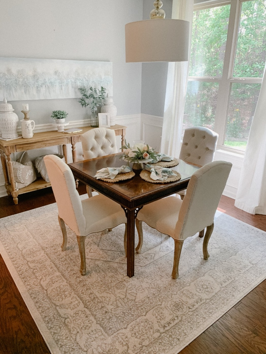 neutral-dining-room-decor-ideas-strawberry-chic-amanda-john  - Neutral Dining Room Ideas