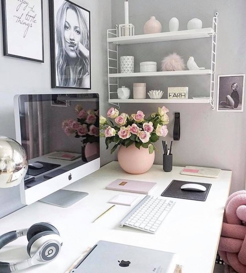 Office desk ideas. Small office space decorating ideas