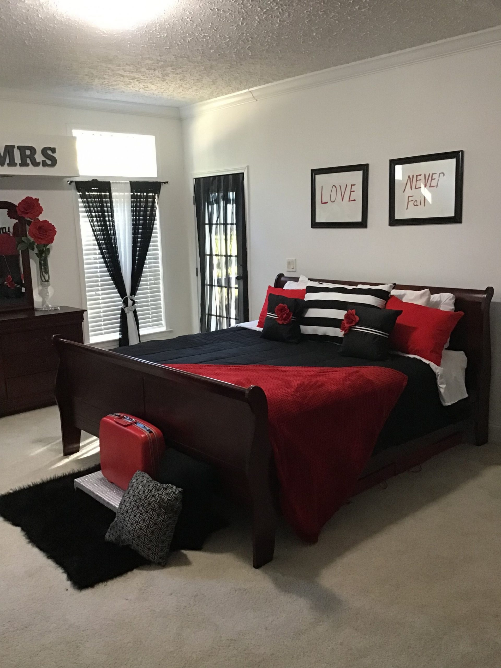 Red, black and white bedroom ideas  Black bedroom decor, Red  - Bedroom Ideas Red And Black