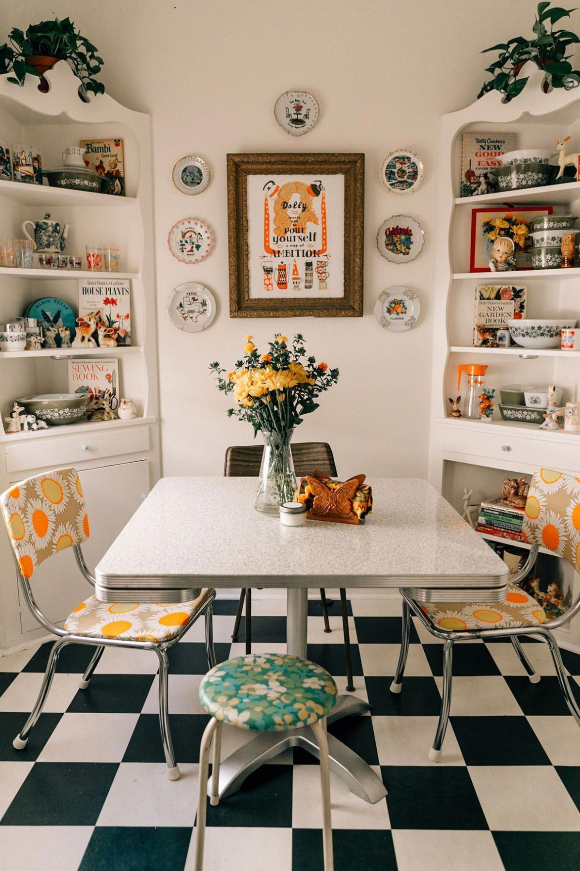 Retro Dining Rooms: Take a look at this dazzling dining room  - Dining Room Ideas Retro
