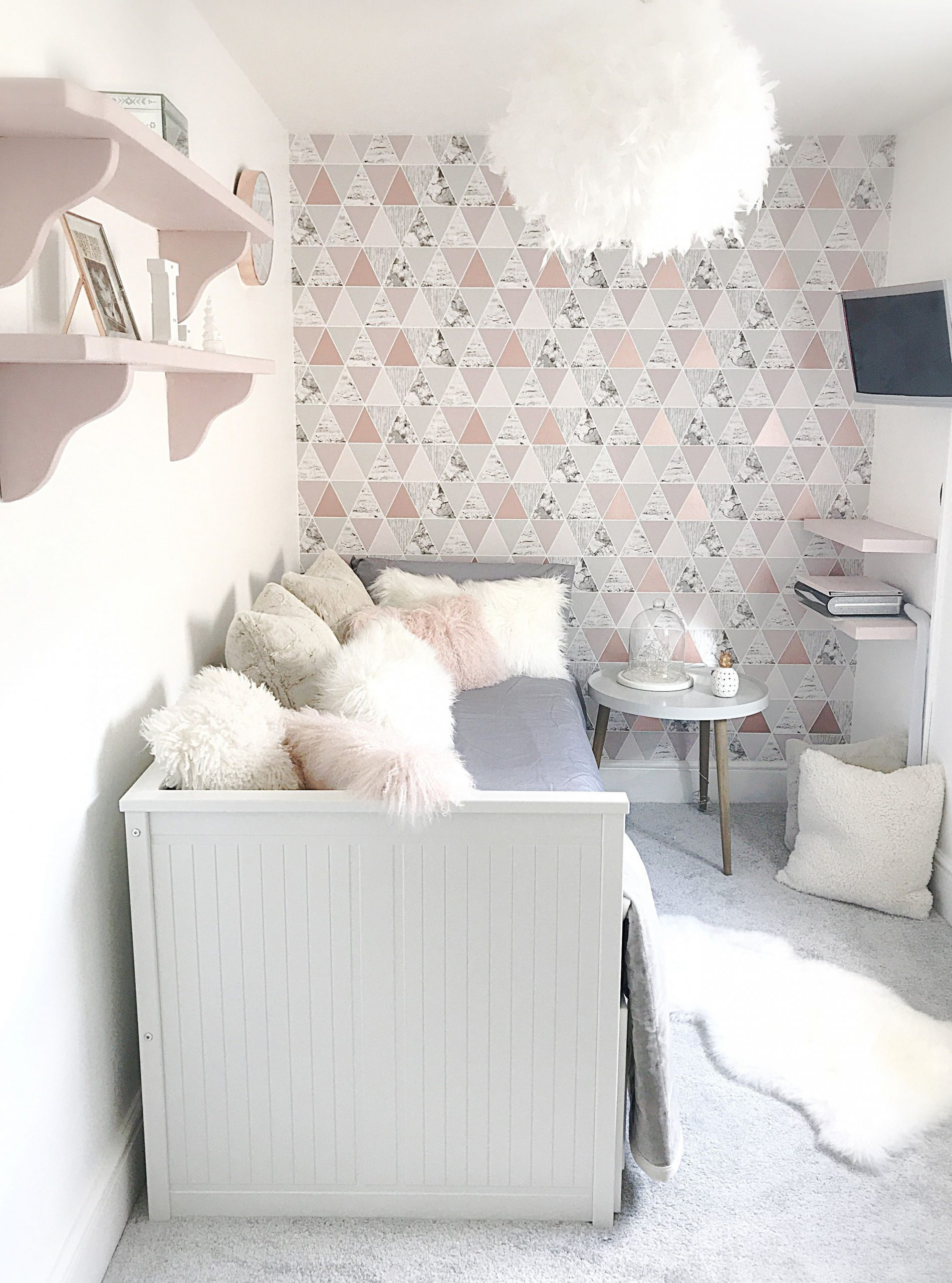 Rose gold and grey bedroom with beautiful Graham & Brown wallpaper  - Bedroom Ideas Rose Gold And Grey