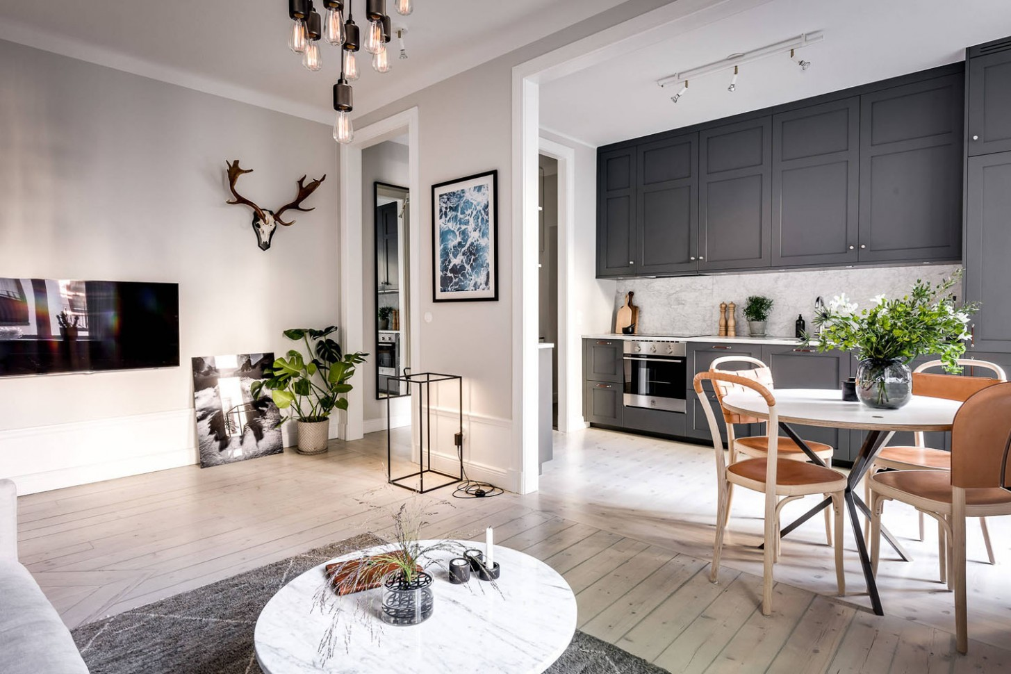 Small Apartment with Well-Planned Layout and Luxurious  - Apartment Design Pictures