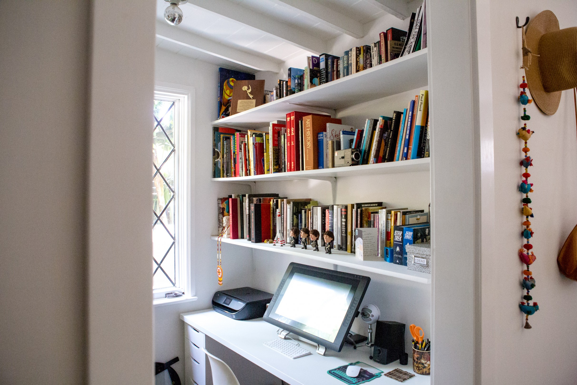 Small Home Office Ideas - How to Make a Home Office in a Tiny  - Home Office Ideas Small Room