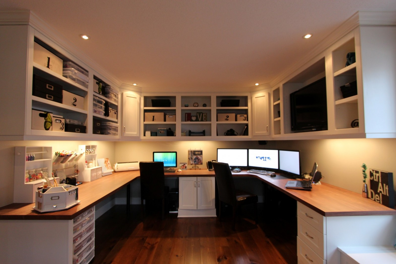 Small Home Office Organization Tips - Lubbock Furniture Rental - Small Home Office Ideas No Windows
