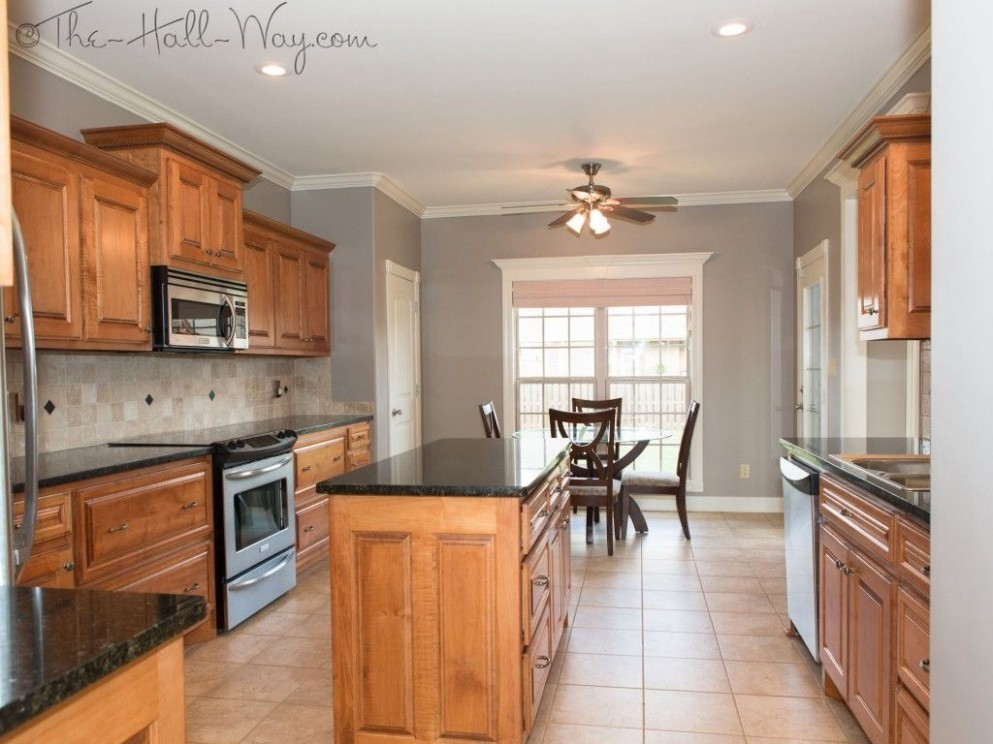 Summer Tour Of Homes  Kitchen wall colors, Honey oak cabinets  - What Color To Paint Kitchen Walls With Maple Cabinets