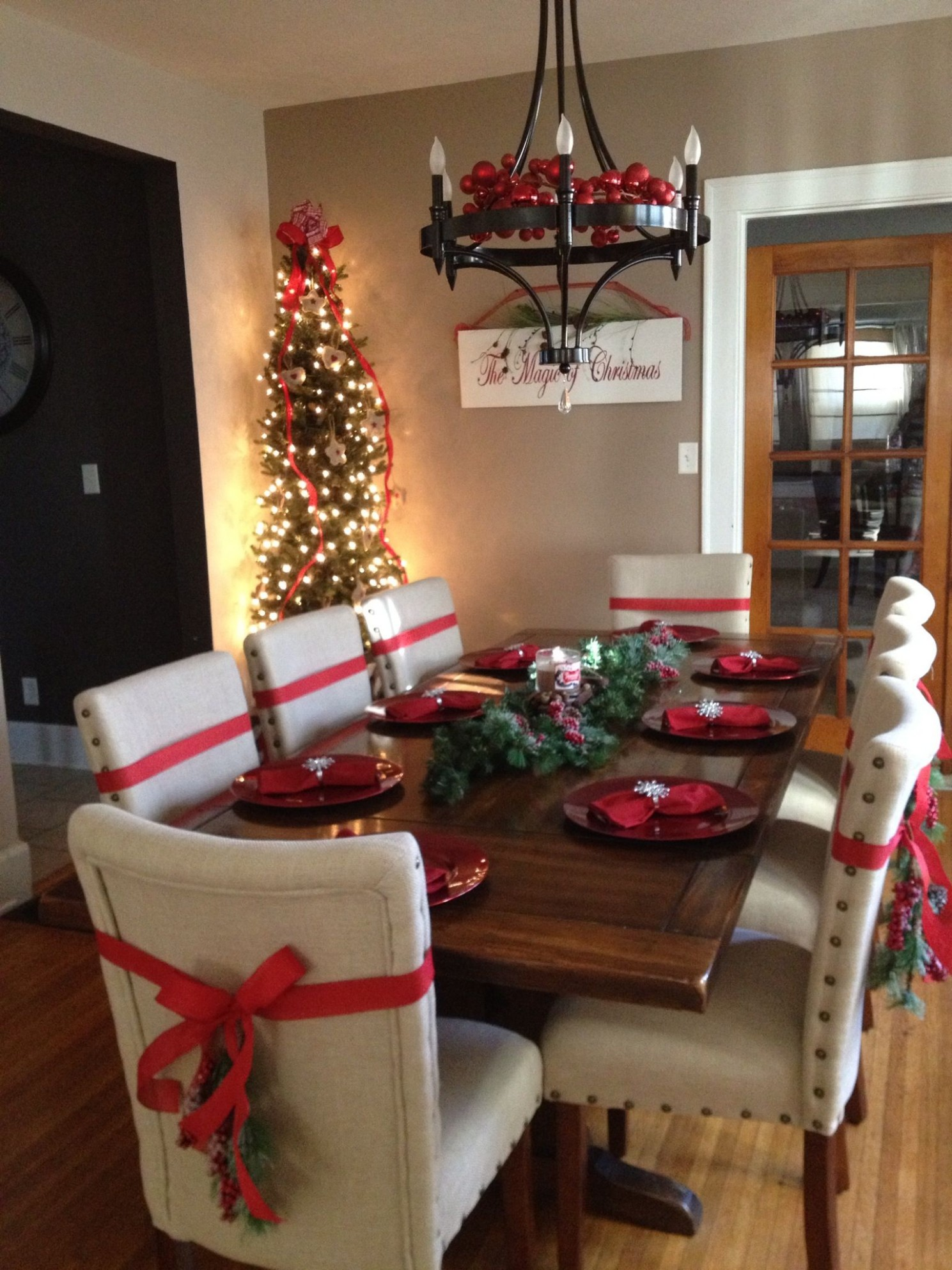 The Best Christmas Decorating Ideas for Your Dining Room Decor  - Dining Room Ideas For Christmas