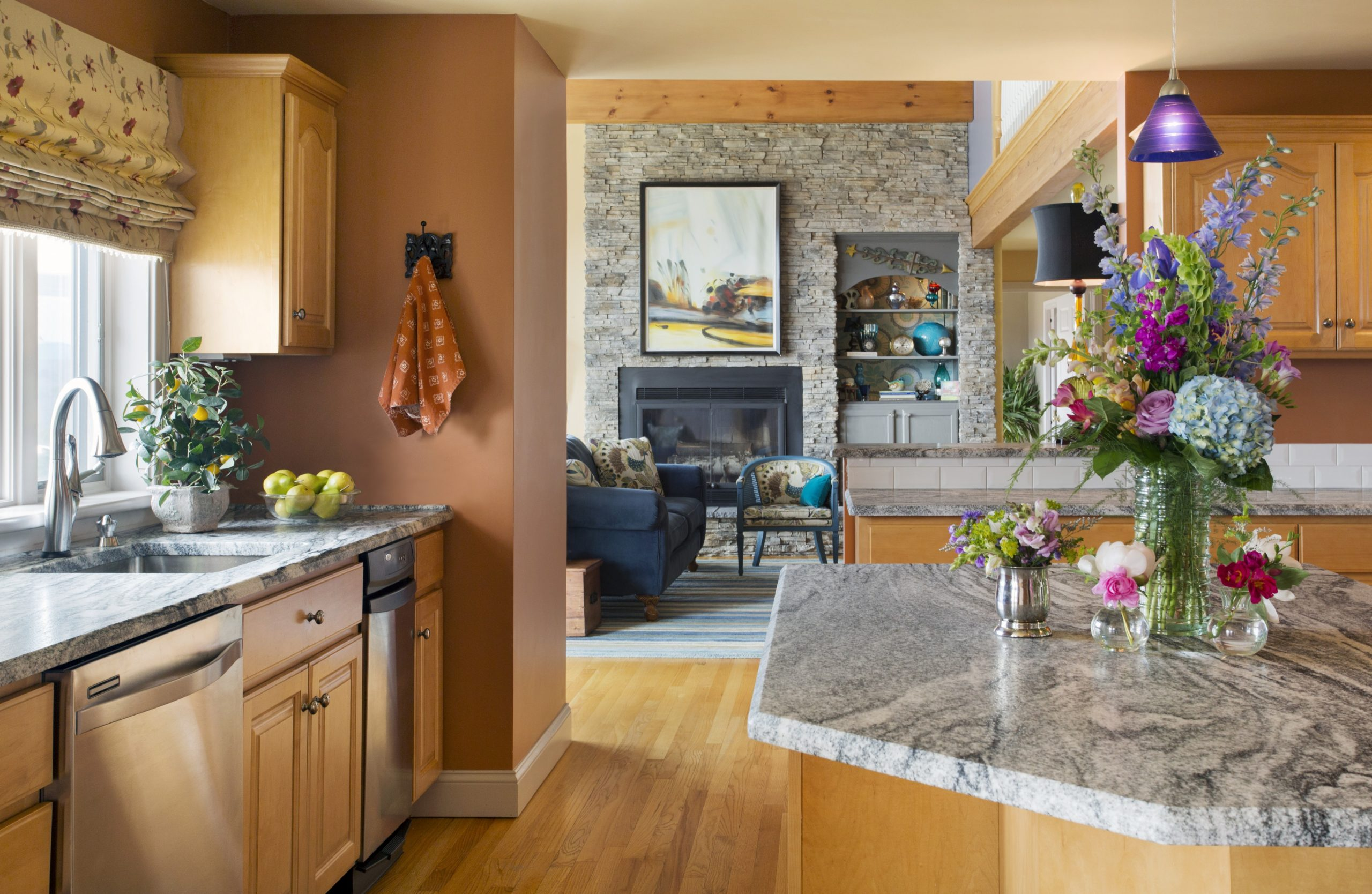 The Best Paint Colours for Your Oak and Maple Cabinetry  - Best Kitchen Wall Colors With Maple Cabinets