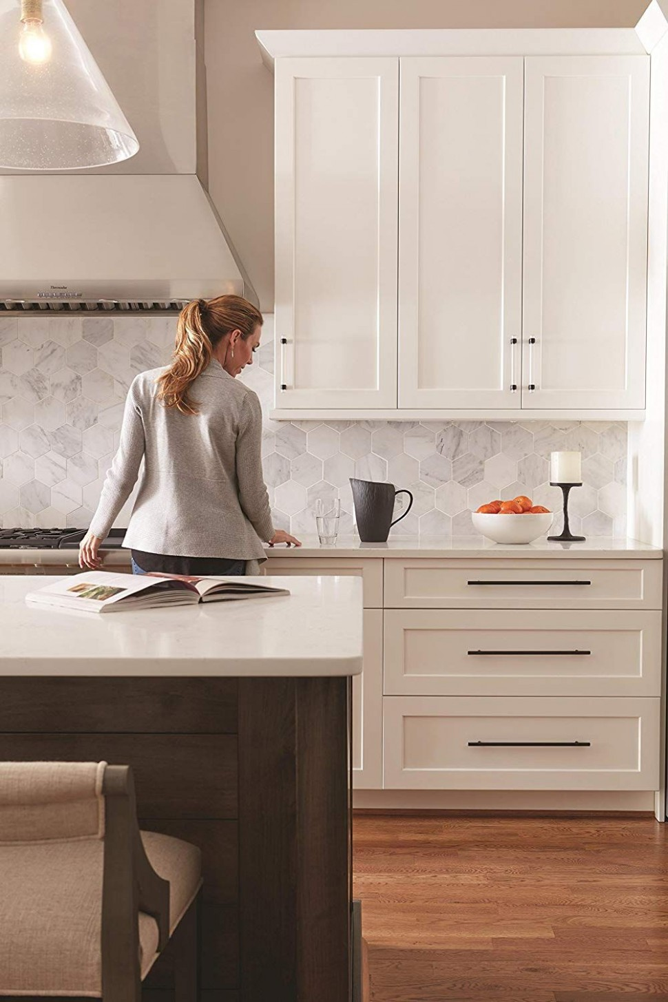 This is a listing for the long, black cabinet pulls, but I love  - Long Cabinet Pulls Kitchen