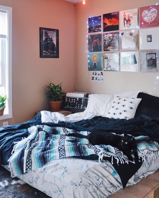 Urban Outfitters Carolinas (@uocarolinas) • Instagram photos and  - Bedroom Ideas Videos