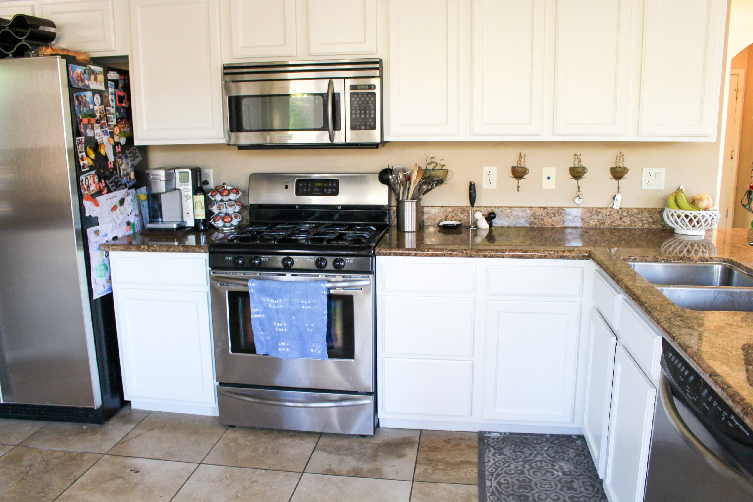 We painted our kitchen cabinets! (Benjamin Moore Swiss Coffee  - Swiss Coffee Paint Kitchen Cabinets