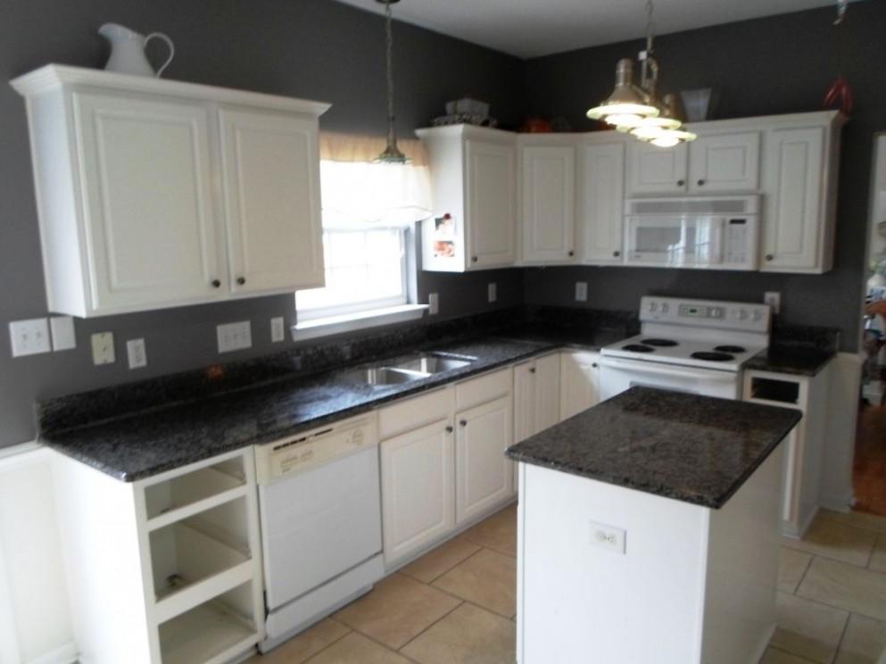 White Kitchen Cabinets With Black Countertops Design Decorating  - Kitchens With White Cabinets And Dark Granite Countertops