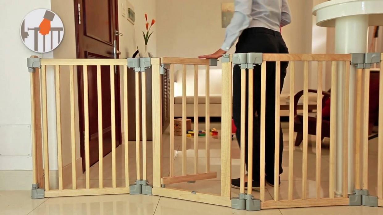 Yoko - Wooden playpen, room divider/fire surrounder, safety gate - Baby Room Divider